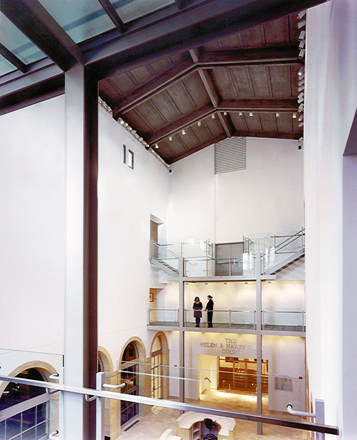 2 tskp wadsworth atheneum the helen and harry gray court glass bridges above court 1400 0x0x1200x1481 q85