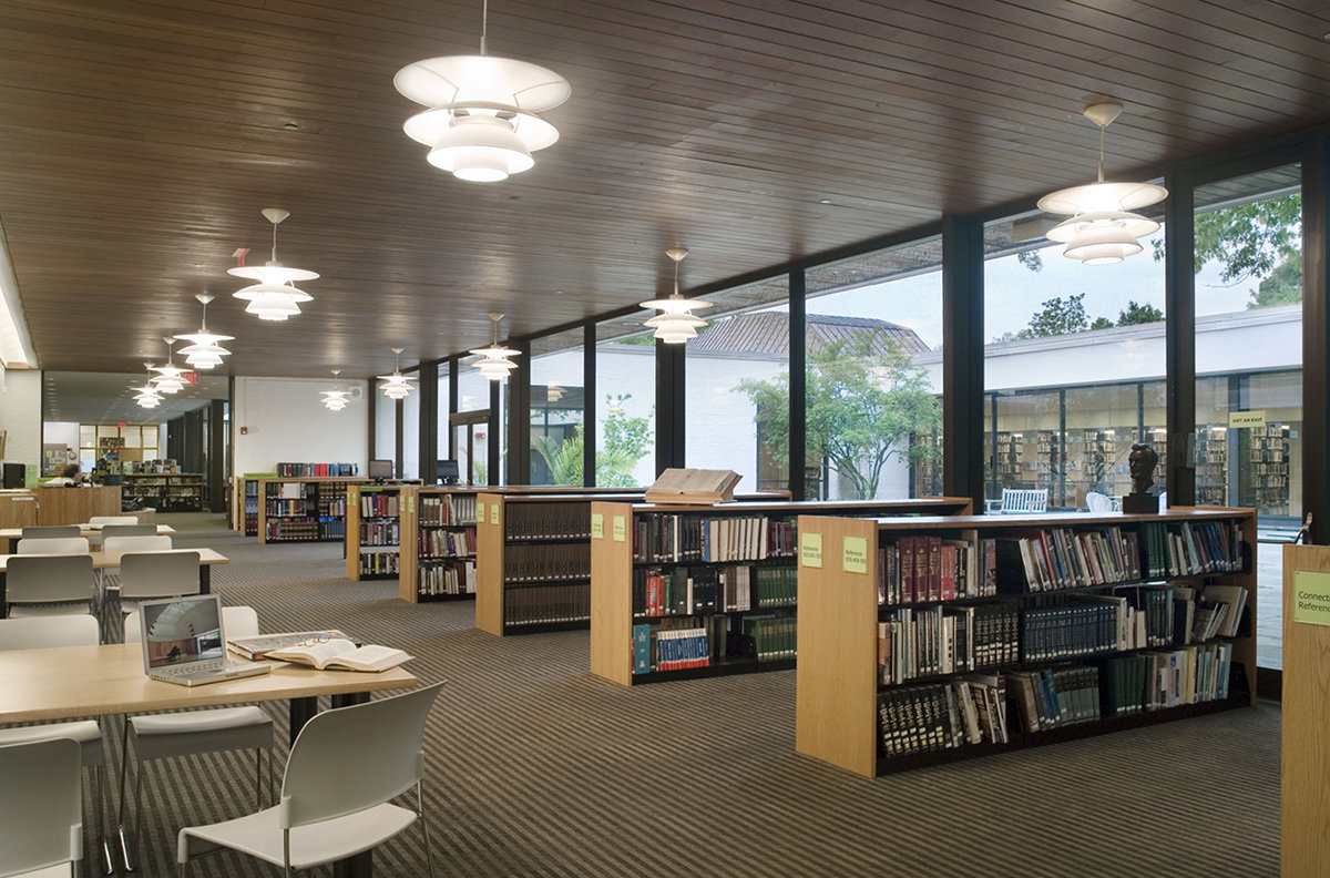 8 tskp wilton wilton library interior seating area with tables and bookcases 1400 0x0x1200x792 q85
