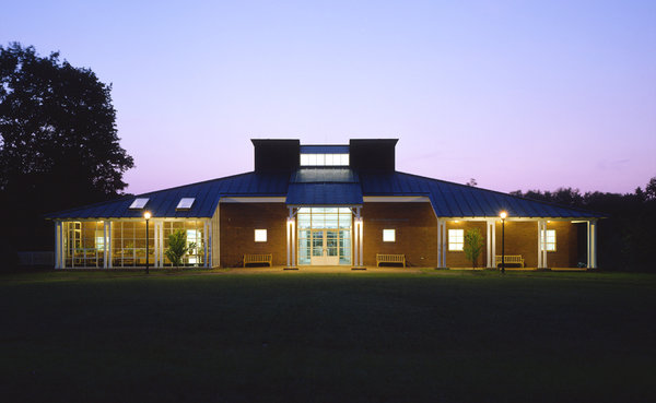 1 tskp farmington miss porters school ann whitney olin center exterior detail front of recreation center at sunset copy 600 0x120x1000x615 q85