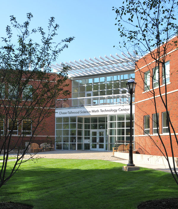 1 tskp kingswood oxford chase tallwood science math technology building exterior main entry zoom 600 0x0x1800x2111 q85