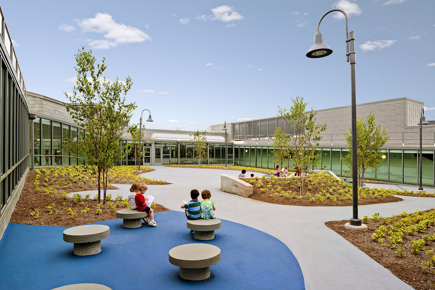 5 tskp bloomfield wintonbury early childhood magnet school exterior central courtyard 1400 0x0x1500x1000 q85