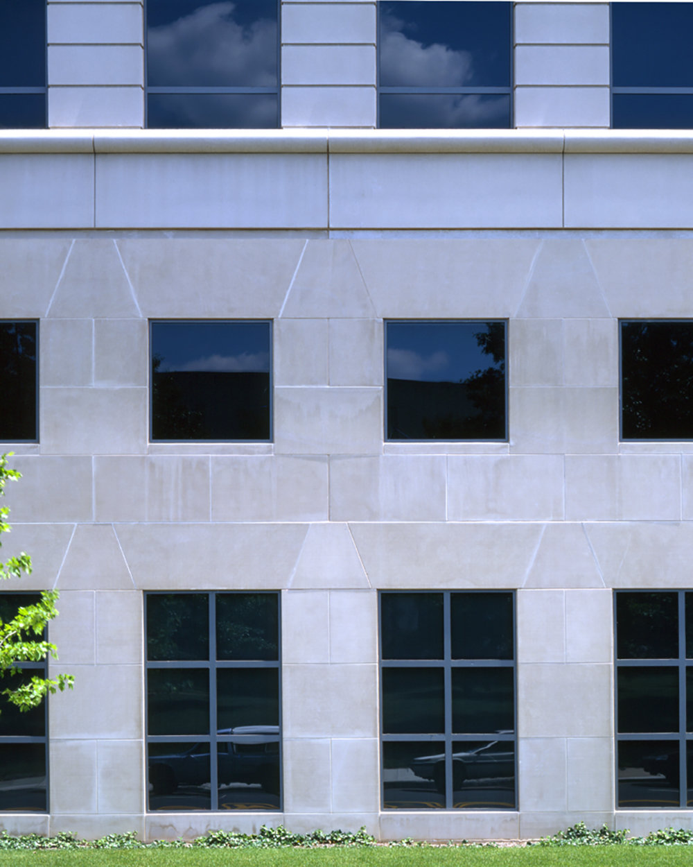 4 tskp ct education association capitol place exterior detail of walls and windows from street 1400 0x0x1000x1250 q85