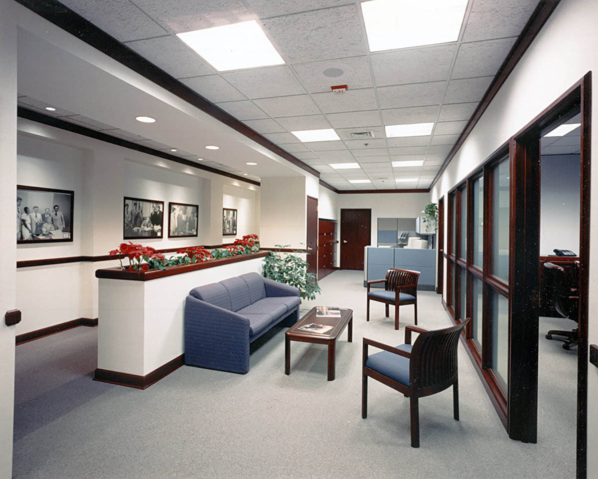 8 tskp ct education association capitol place interior detail of office seating area lighting furnishings 1400 xxx q85