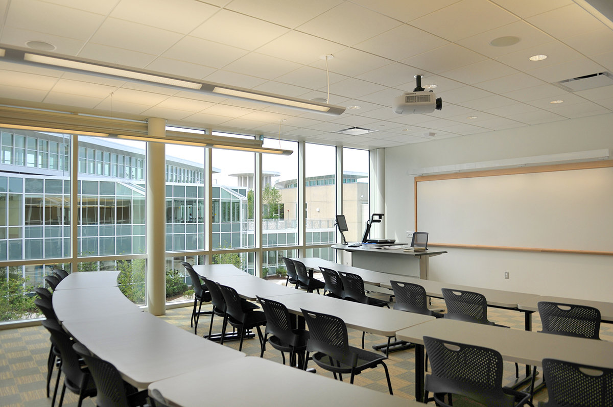 8 tskp manchester community college great path academy interior classroom lighting furnishings windows 1400 xxx q85