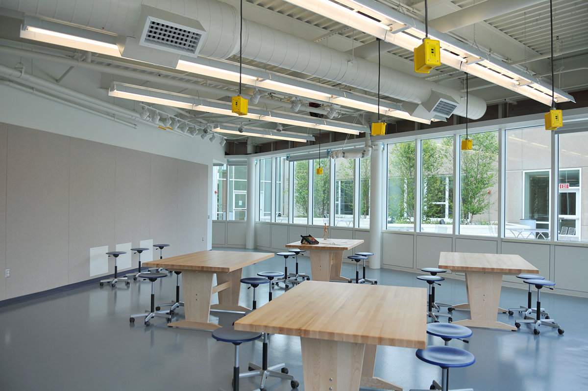 11 tskp manchester community college great path academy interior classroom artroom tables chairs 1400 xxx q85