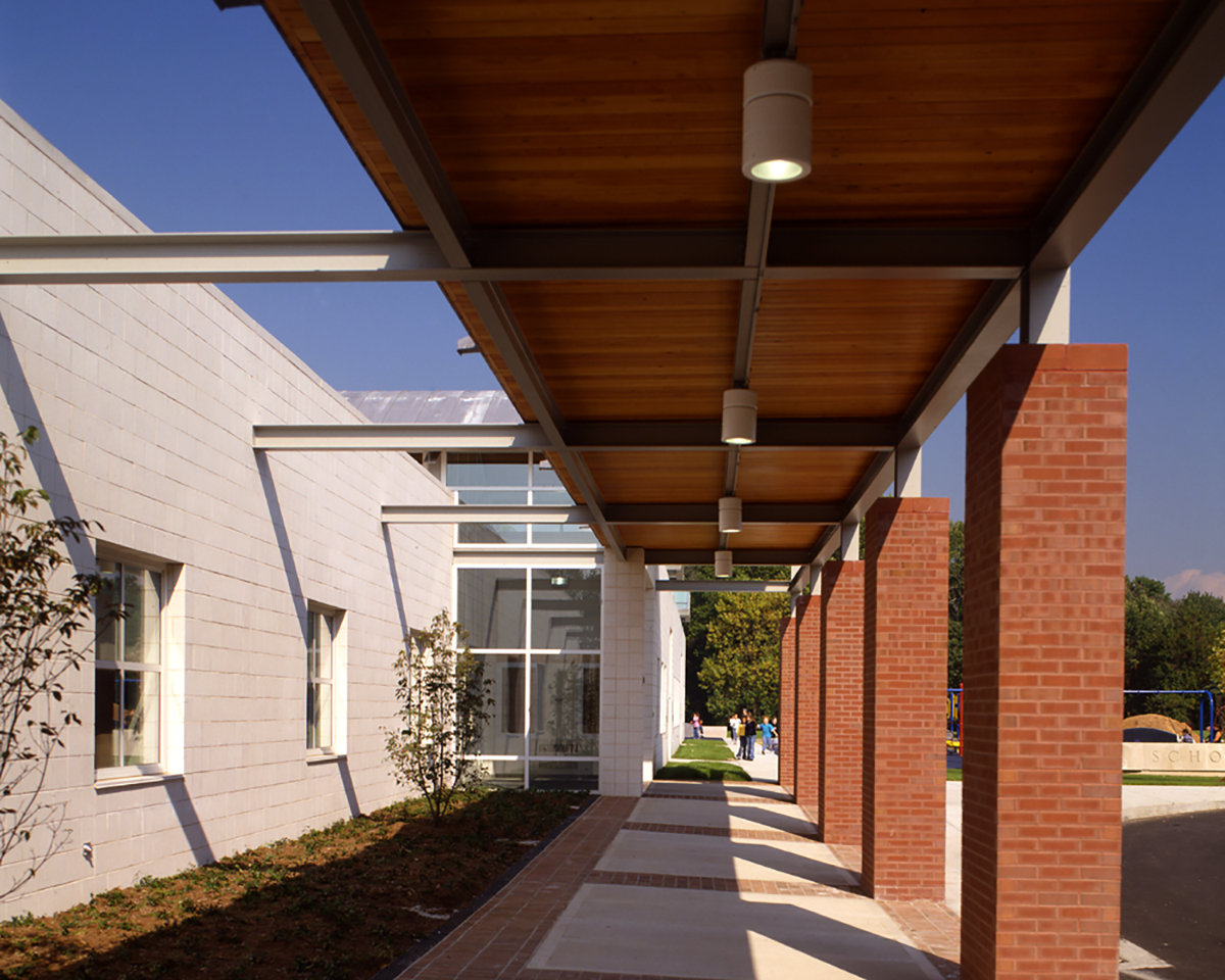 4 tskp fairfield mckinely elementary school exterior detail covered walkway 1400 xxx q85