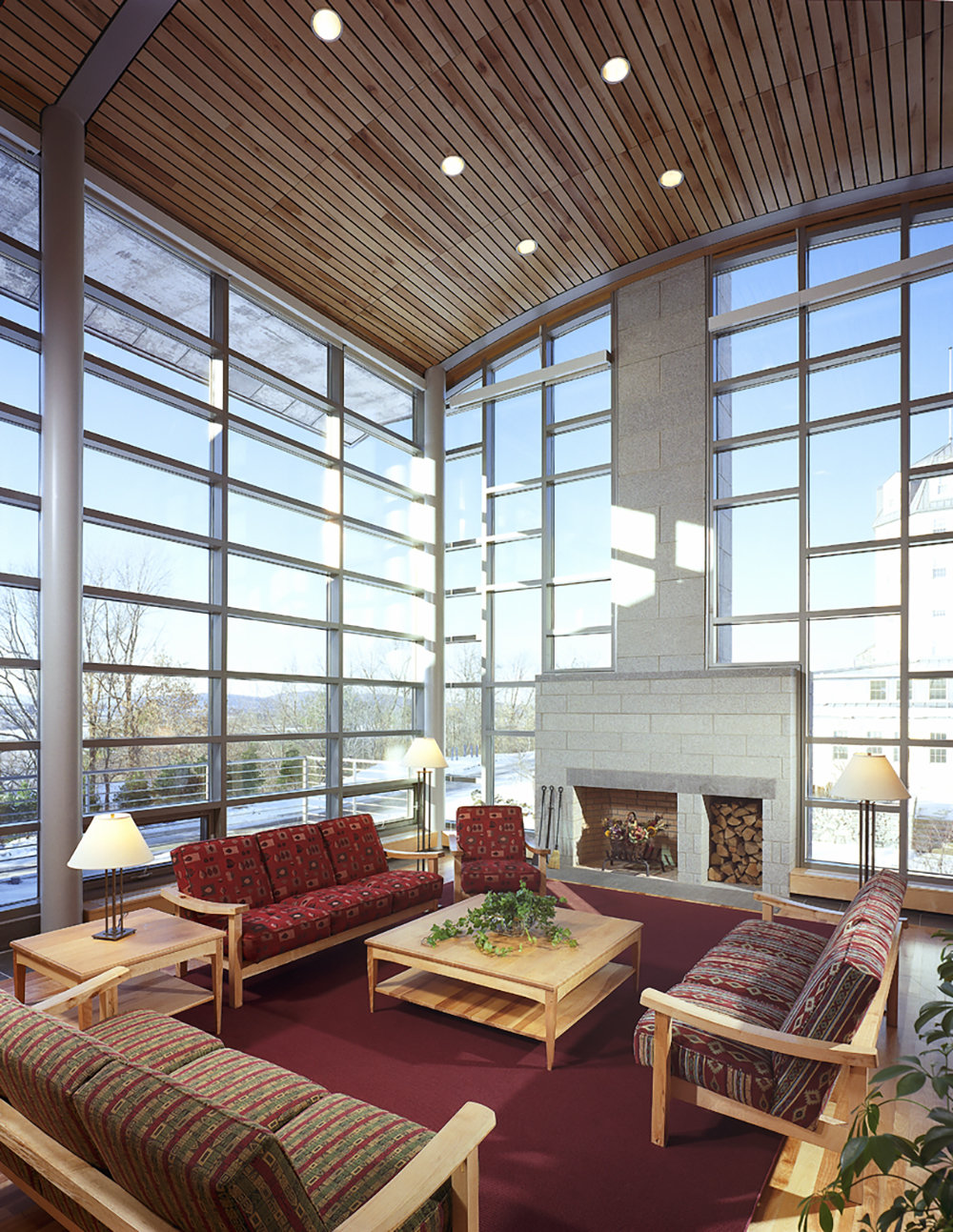 6 tskp middlebury college ross commons laforce hall interior detail lounge area with fireplace 1400 xxx q85