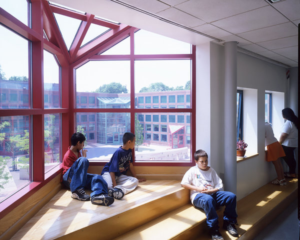 4 tskp hartford moylan elementary school interior detail childrens lounge area overlooking courtyard window skylight 600 0x0x1200x960 q85