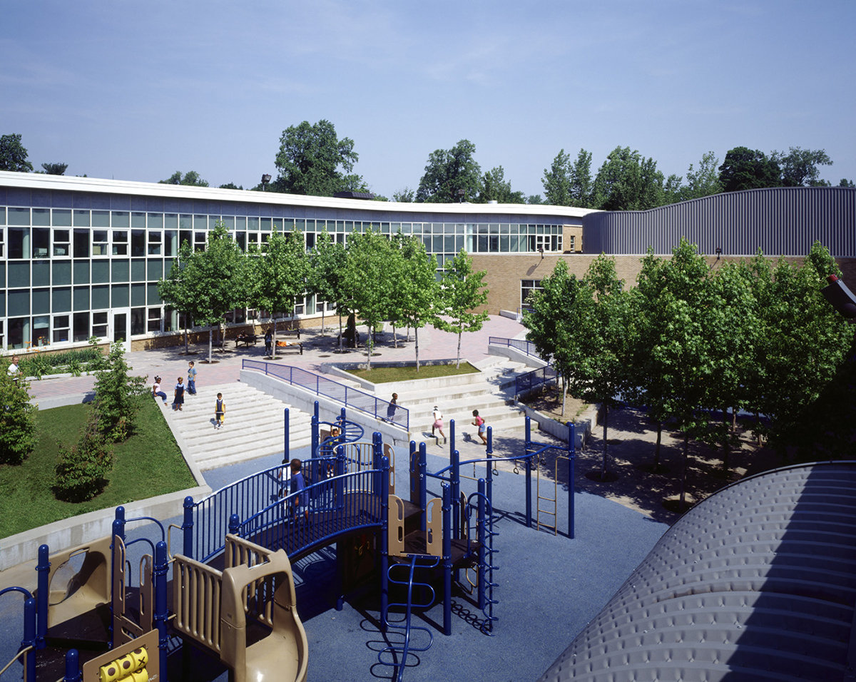 6 tskp hartford s.a.n.d. elementary school and library exterior detail central courtyard playground aerial 1400 xxx q85