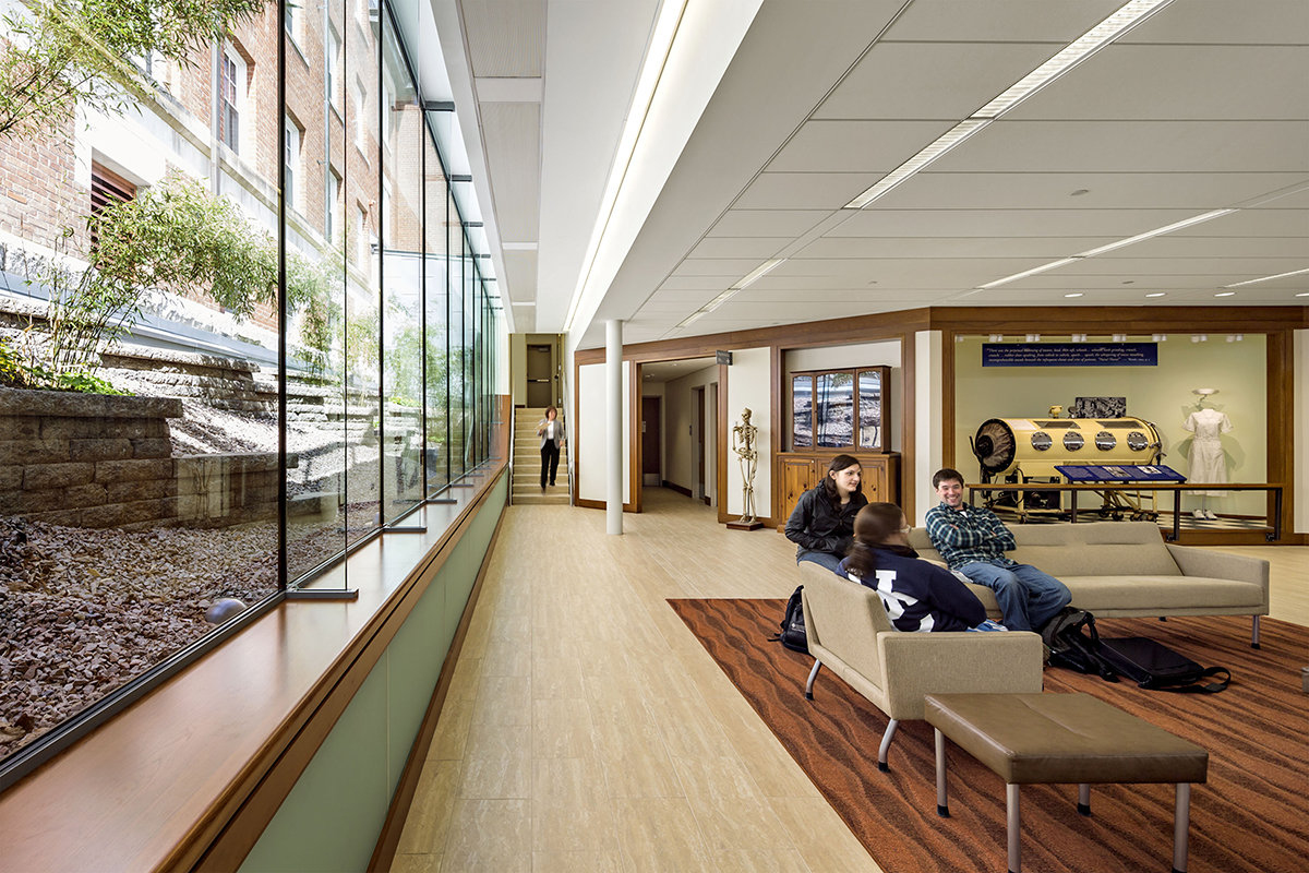 6 tskp university of connecticut widmer wing school of nursing interior detail opposite end of lounge area with wall of windows 1400 xxx q85